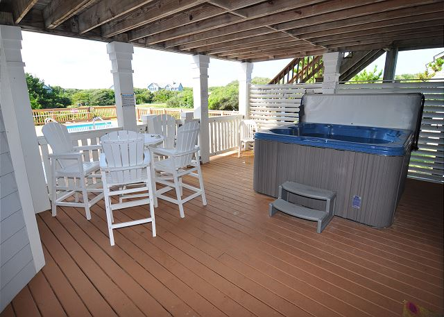 Hot Tub of Silver Creek, a 5 bedroom, 4.5 bathroom vacation rental in Southern Shores, NC