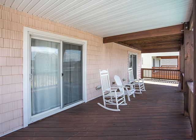 Mid Level Deck of Just Peachy, a 4 bedroom, 4.5 bathroom vacation rental in Kill Devil Hills, NC