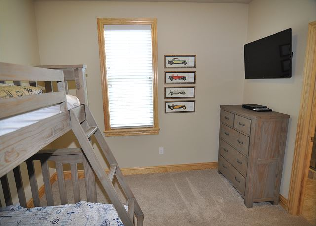 Pyramid Bunk with Shared Bath Midlevel of Sandy Toes & Salty Kisses, a 11 bedroom, 9.5 bathroom vacation rental in Corolla, NC