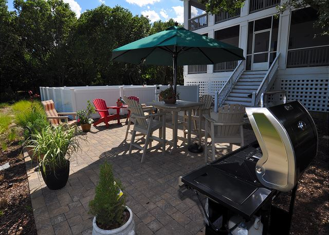 Patio Area of Southern Breeze, a 5 bedroom, 4.5 bathroom vacation rental in Corolla, NC