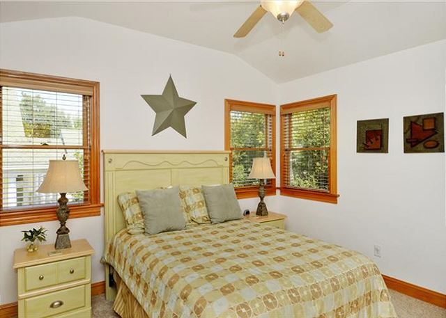 Queen Bedroom Mid Level of Thanks Dad, a 6 bedroom, 5.5 bathroom vacation rental in Corolla, NC