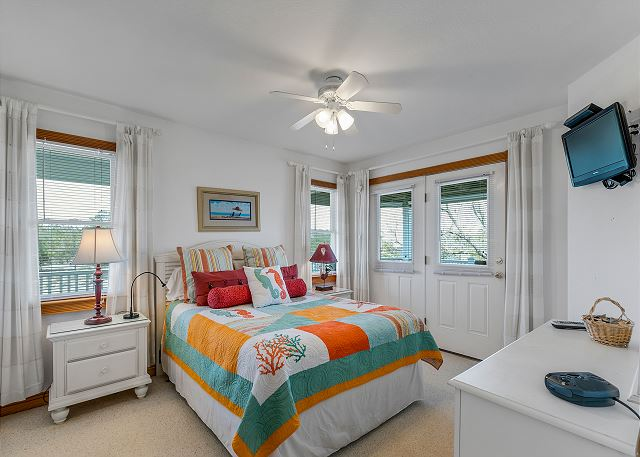 Mid Level Queen Bedroom