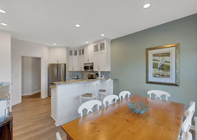Dining Area - Entry Level