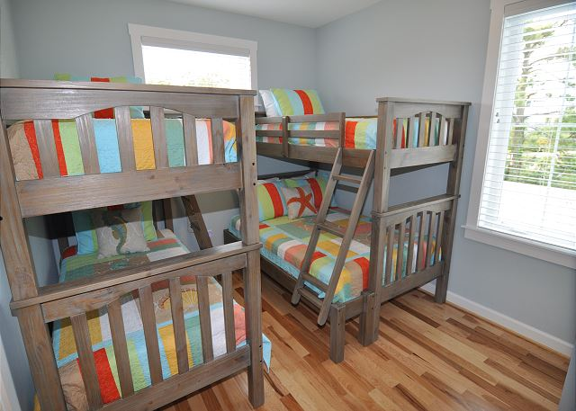 Bunk Bed and Pyramid Bunk Bed Sets - Mid Level