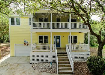 Moondance, an Outer Banks Vacation Rental in Corolla