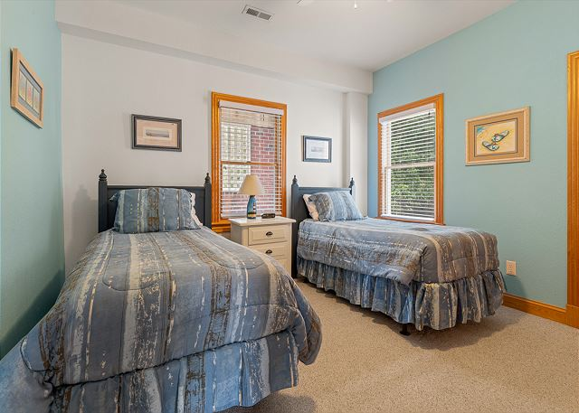 Double Twins Bedroom - Ground Level