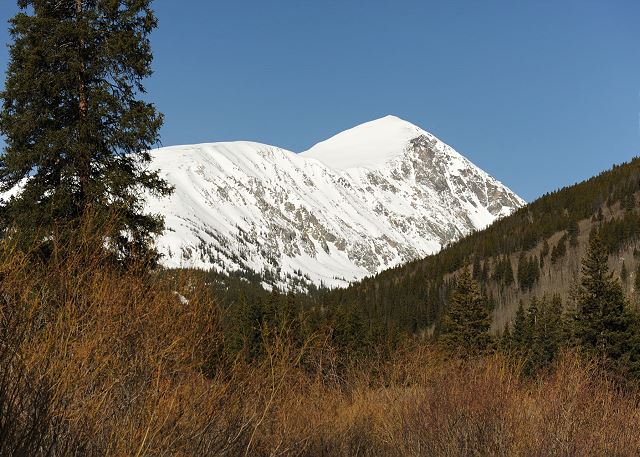 View of the massive 14,265 foot Quandary mountain