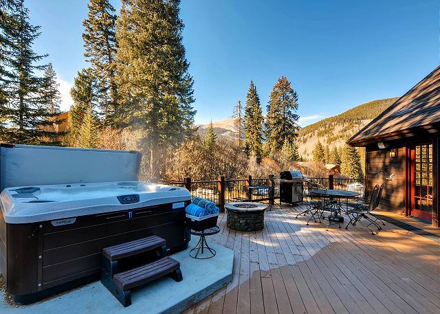 Deck with Hot Tub, Outdoor Seating, Fire Pit and Great Views!