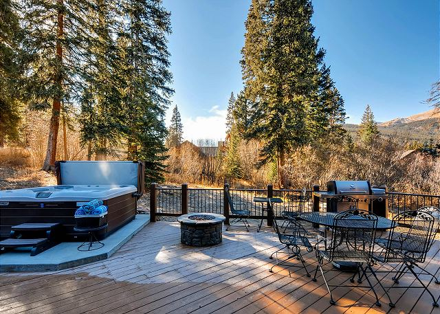 Great space to enjoy the outdoors!