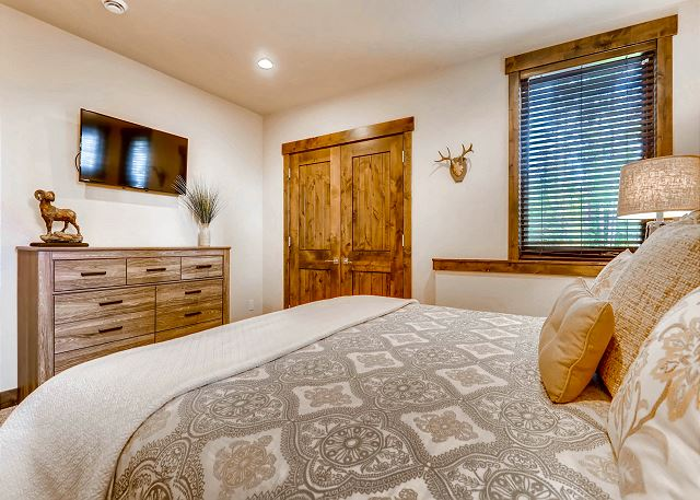 - sleeps 2 in one king bed