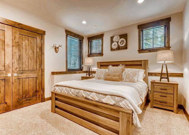 Sawmill King Suite