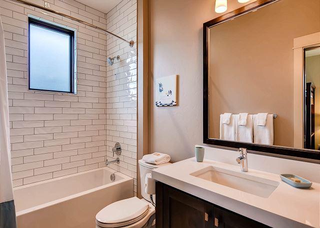 Blue Bunk Room Ensuite Bathroom