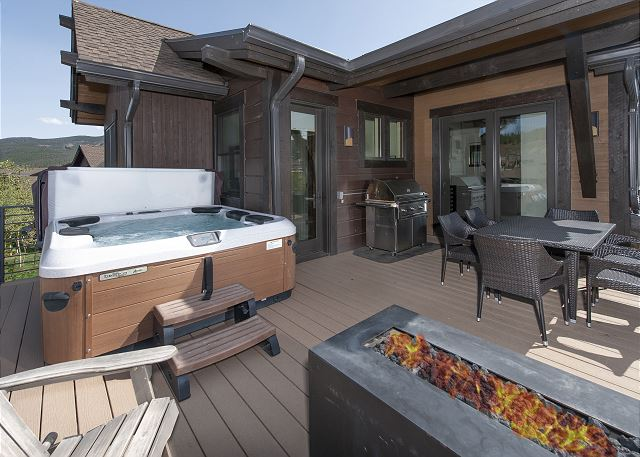 Gas fire pit & hot tub