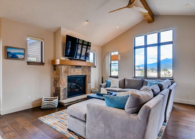 Living Area with Gas Fireplace, TV and Views!