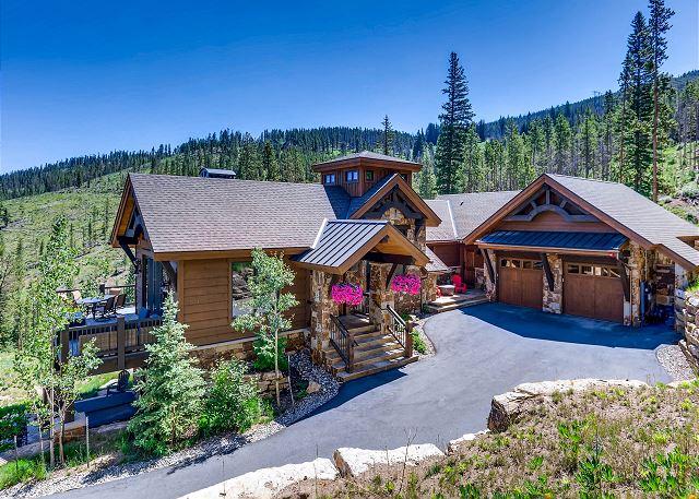 - Beautiful mountain elegance with Colorado style