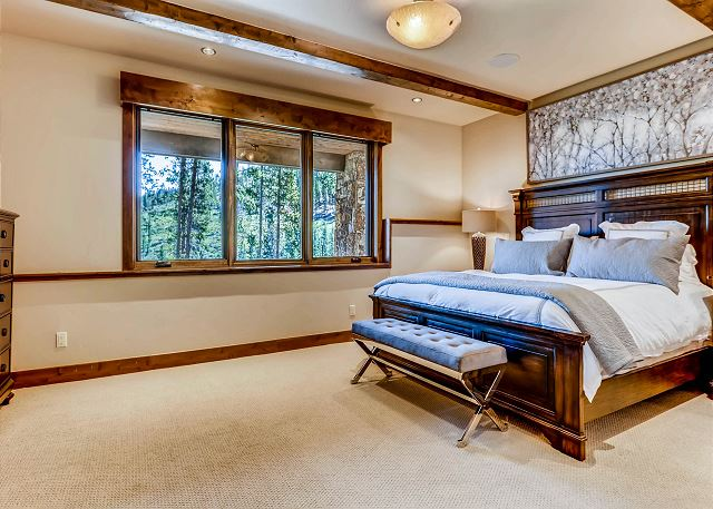 Forest View Queen Suite