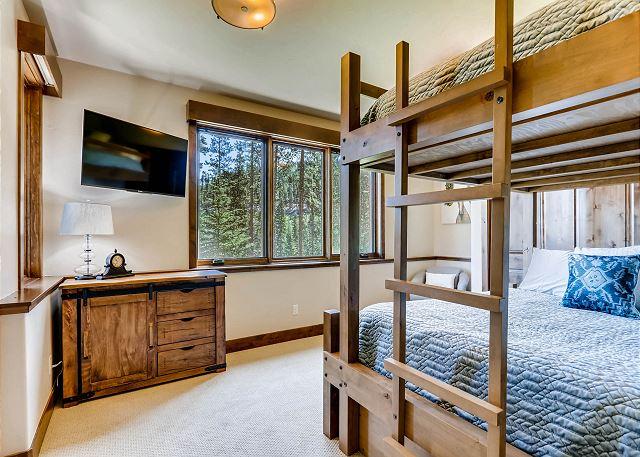 Quaking Aspen Queen Bedroom
