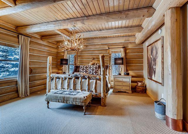 Bald Eagle King Suite