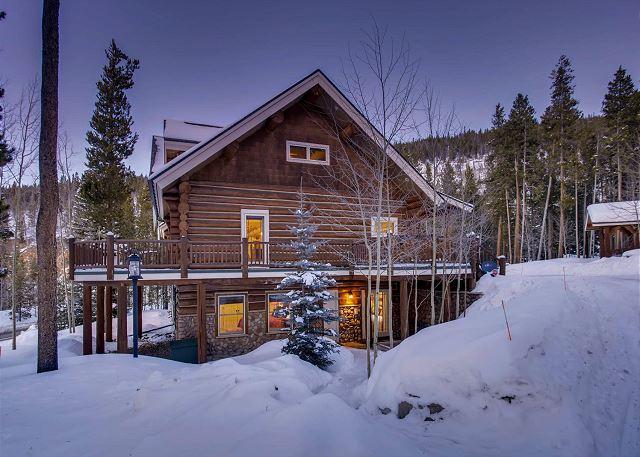 Twin Eagles Lodge