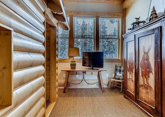 Bunker Hill Lodge Room