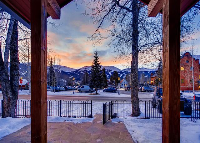 and have quick access to Breckenridge!