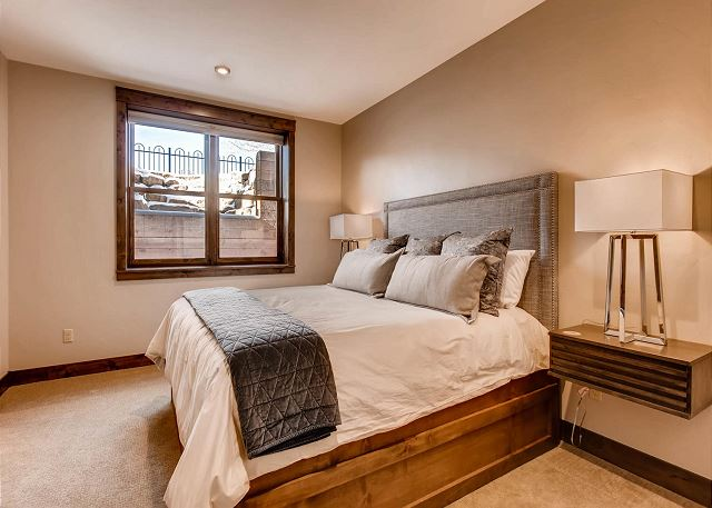 - sleeps 2-3 in one king bed and one twin trundle bed