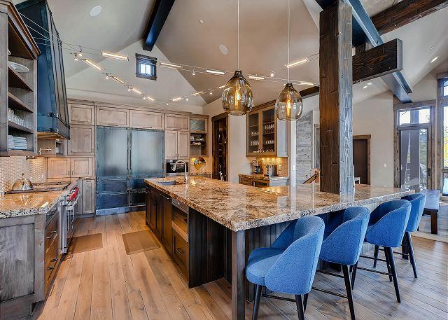 Gourmet fully stocked kitchen