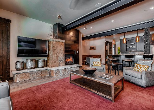 features TV and fireplace