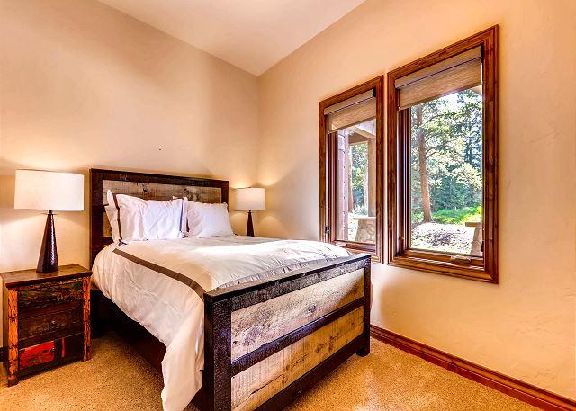 Night's Watch Bedroom - sleeps 2 in one full bed, utilizes adjacent hall bathroom