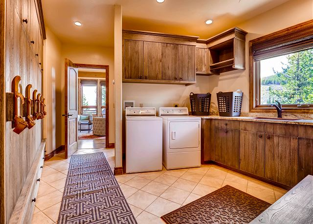 Main level mudroom and laundry off top level garage