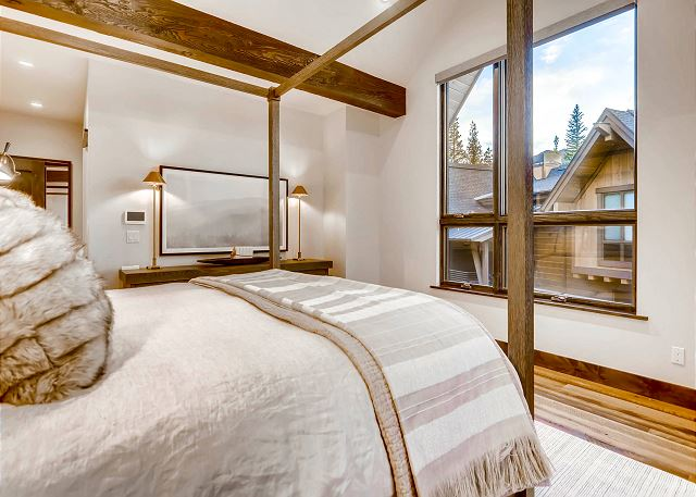 Misty Mountain King Suite