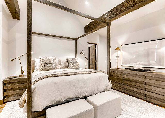 sleeps 2 in one king bed, ensuite bath with deep soaking tub, large walk-in shower, and dual sinks