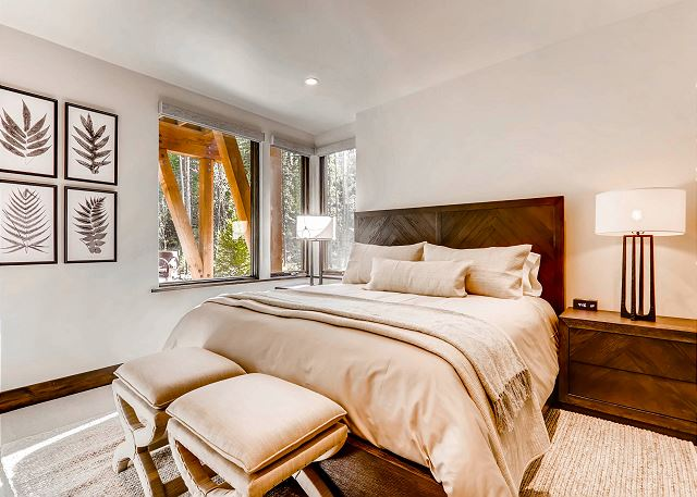 - sleeps 2 in one king bed, ensuite full bath with tub/shower