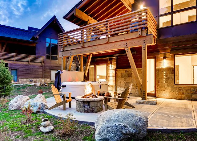 featuring hot tub and gas fire pit
