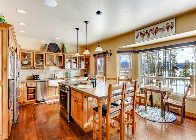 offers ideal appliances, a full variety of cooking tools, and playful views of the Breck ski resort