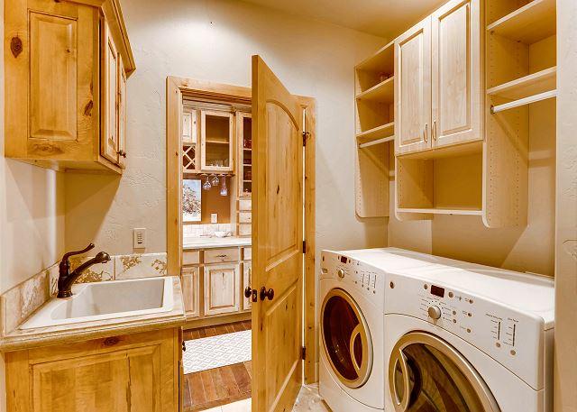 wash sink - entry also from garage