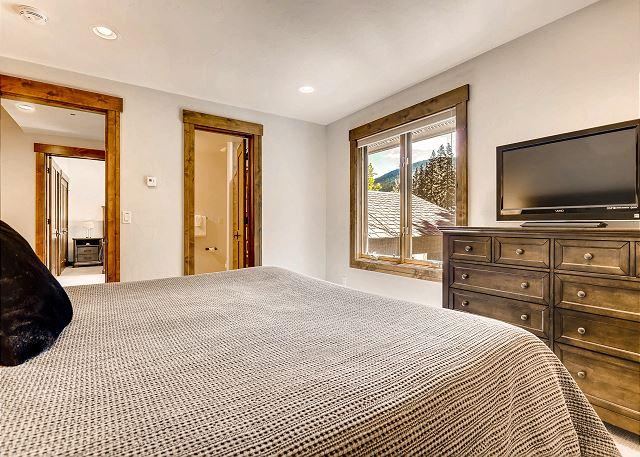 Tarnwood King Suite