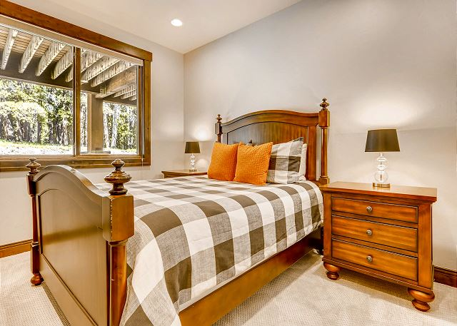 - sleeps 2 in one queen bed, uses full hall bathroom with tub/shower