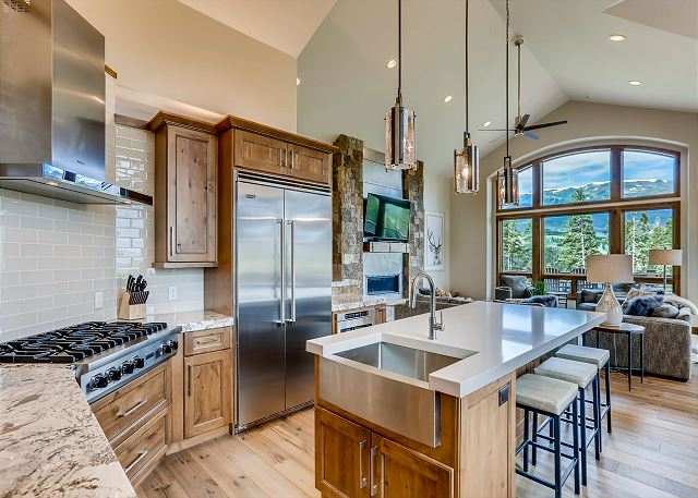 lustrous kitchen to great room