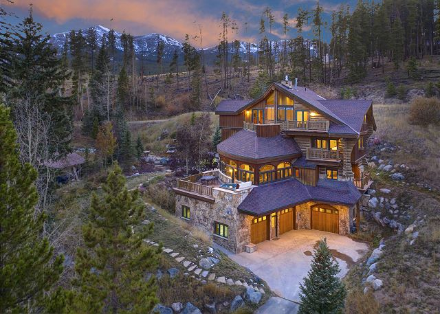- A truly unique architecture with lots of amenities and true mountain getaway feeling.