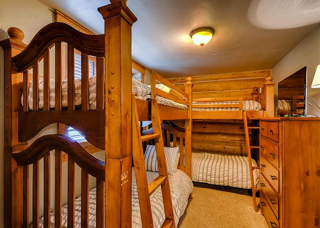 - sleeps 4 in two sets of twin bunk beds