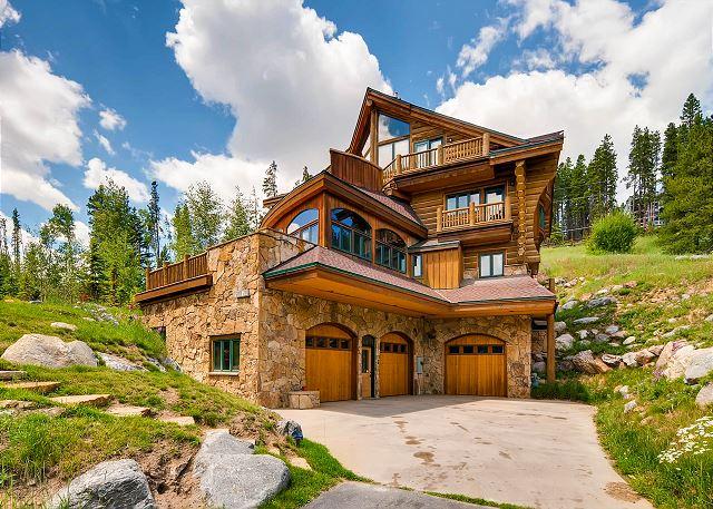 Exterior View of Alpine Majesty