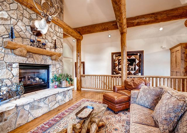 features gas fireplace