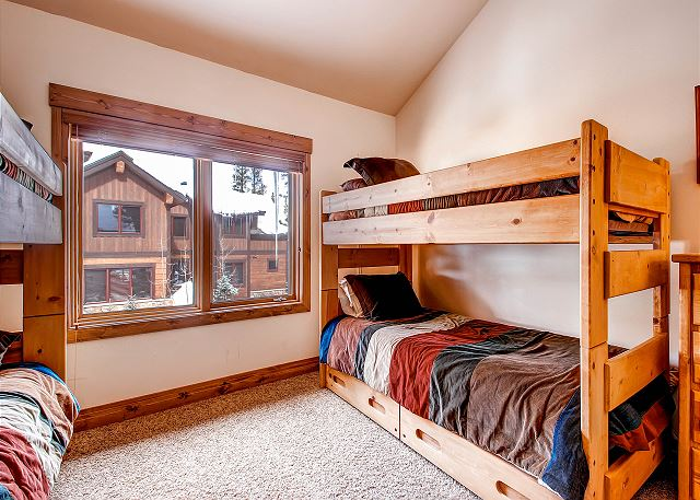 - sleeps 4 in two bunk beds (4 twin beds), shared hall bath