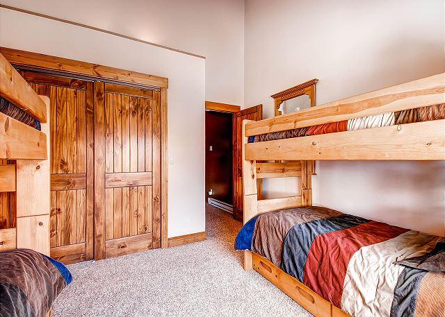 Bystone Bunk Room