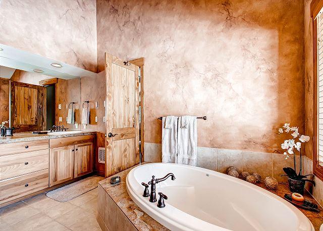 Moonlight Suite Ensuite Bathroom
