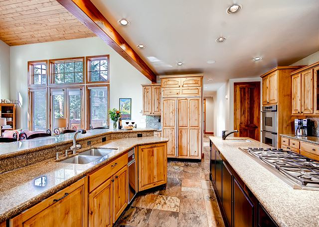 Expansive Kitchen with lots of workspace