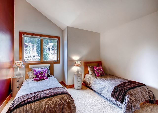 South Surrey Wing Twin - sleeps 2 in two twin beds, shares hall bath with South Surrey Wing Twin