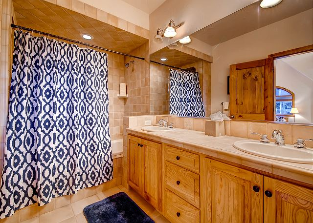 Bonus Room Private Bath with Two Sinks and Tub/Shower Combo