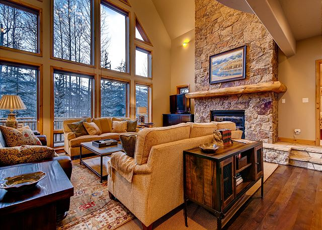 Great Room with Floor to Ceiling Windows - Excellent Views!